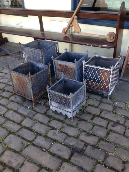 nice set of vintage planters £15 each