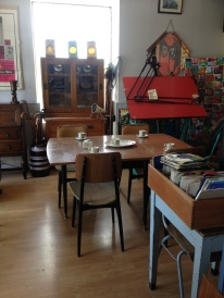 matching table and chairs - pure 50's style in showroom 2