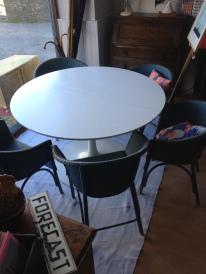 Arkana extending table