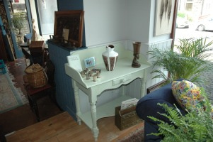Finished in Farrow & Ball paint - nice antique wash stand with nice signs of ware